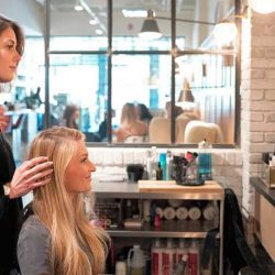 How much can you make owning a beauty salon?
